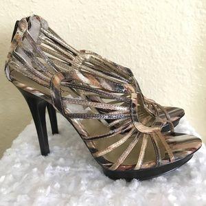 Carlos Santana brown marble strappy open toe heels